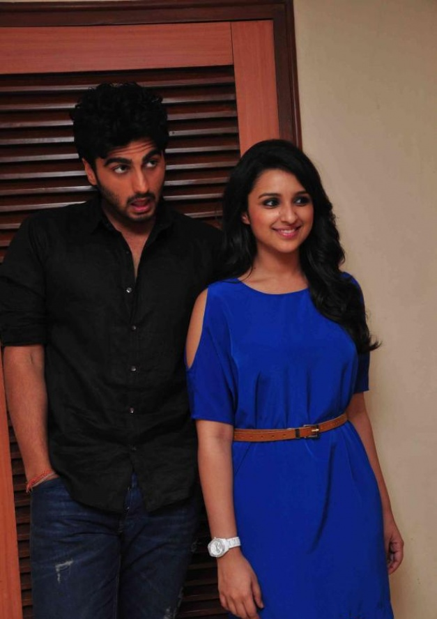 Arjun Kapoor & Parineeti Chopra At Ishqzaade Debate Competition