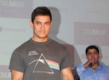 Aamir Khan Felicitates Winners of Microsoft-Talaash Contest in Mumbai