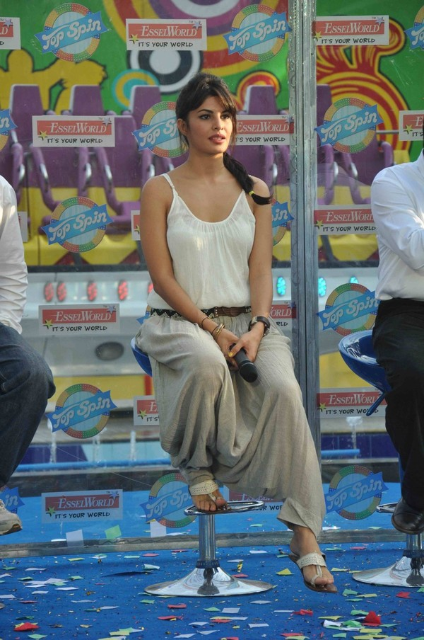 Jacquleine Fernandez at Esselworld's Top Spin Ride Launch