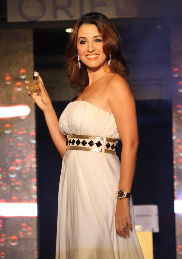 Perizaad Zorabian at the Launch of Oriflame Time Reversing SkinGenist Range, Fashion Show