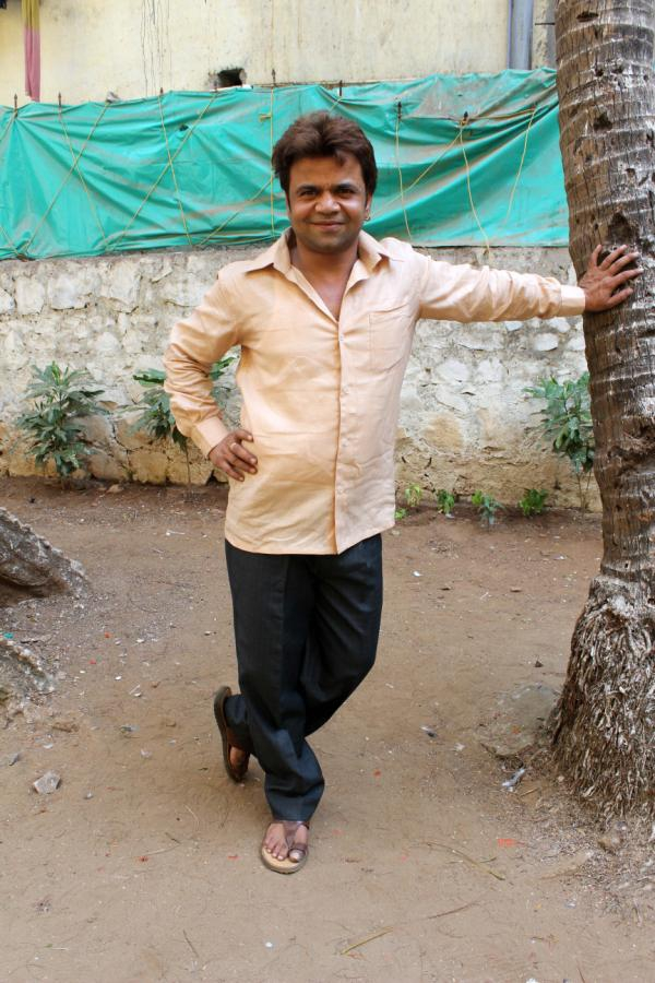 Bharti Sharma, Rajpal Yadav On the Sets of 'Babuji Ek Ticket Bambai' Movie