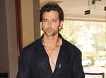 Hrithik Roshan unveils his fitness trainer Kris Gethin's book 'Guide To Your Best Body'