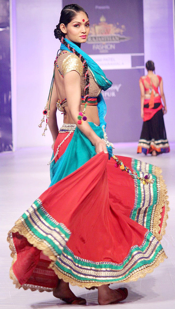 Poonam Patel showcases her colorful designs at RFW 2013