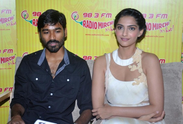 'Raanjhanaa' Music Launch at Radio Mirchi 98.3 FM - Sonam Kapoor, Dhanush