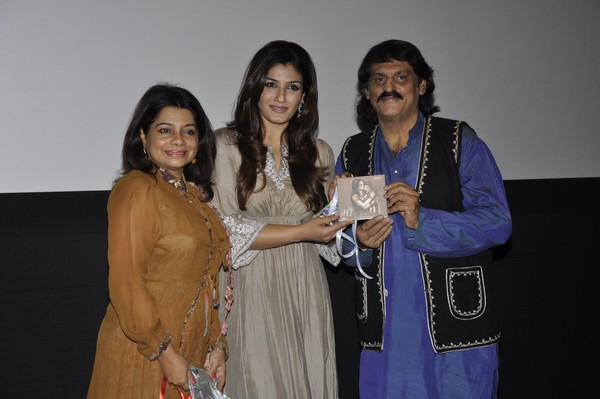 Raveena Tandon at Gazal Singer Farokh Bardoliwala's 'Maa' Album Music Launch