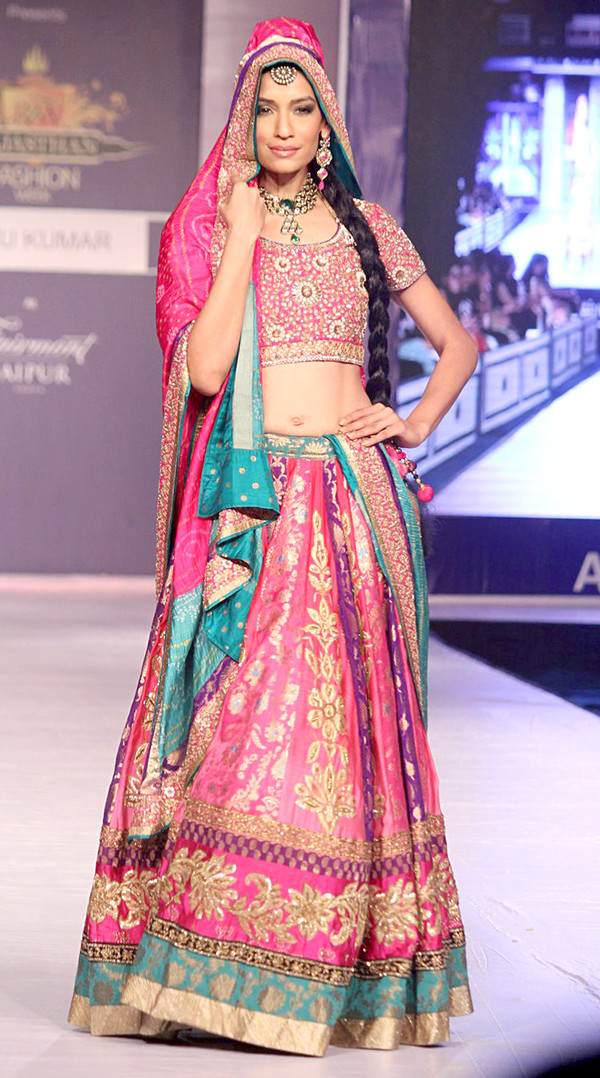 Video Ritu Kumar Fashion Show September  Mumbai