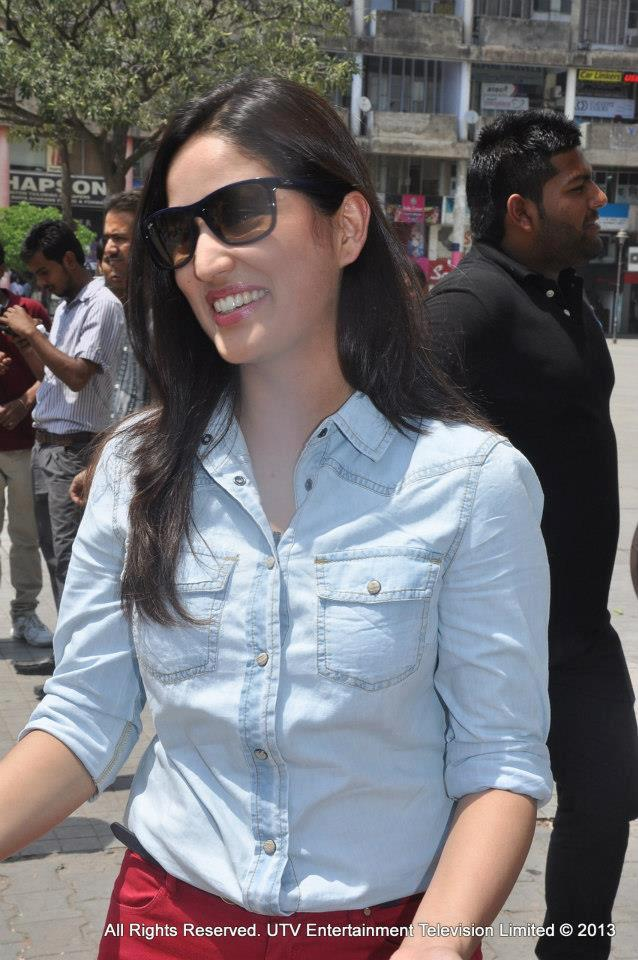 Yami Gautam's outing in Chandigarh! for UTVSTARS 'Star in Your City' Campaign