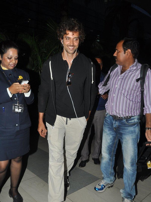 Hrithik Roshan at Airport after unveiling 'Krishh 3' First Look