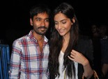 Sonam & Dhanush meet 'Raanjhanaa' Fans at Chandan Cinema