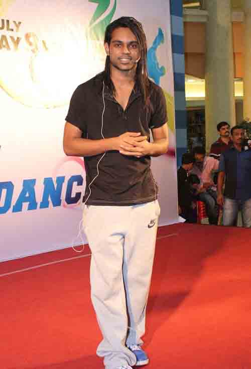 Dance India Dance Choreographer Prince Gupta teaches Locking Style Dance to Fans