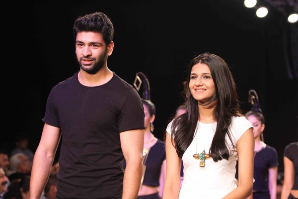 Deepti Gujral walks the ramp for #Adorn India at IIJW 2013 - Day 4