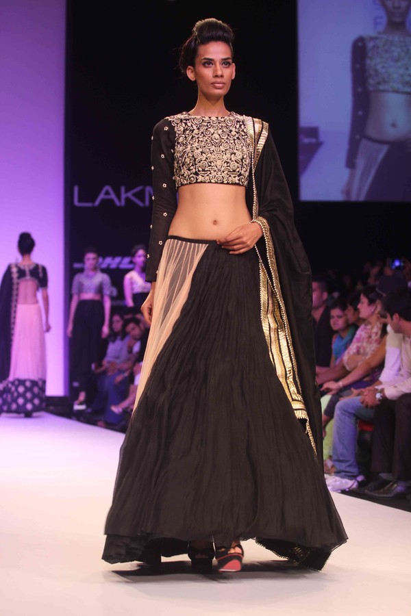 Lisa Hayden Walks the Ramp for Payal Singhal at Lakme Fashion Week Winter Festive 2013
