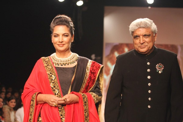 Shabana Azmi, Javed Akhtar walk the ramp for Golecha Jewels at IIJW 2013 - Day 3