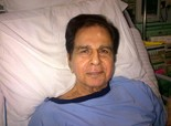 Dilip Kumar's picture from Lilavati Hospital, Says He's Fine - September 18, 2013