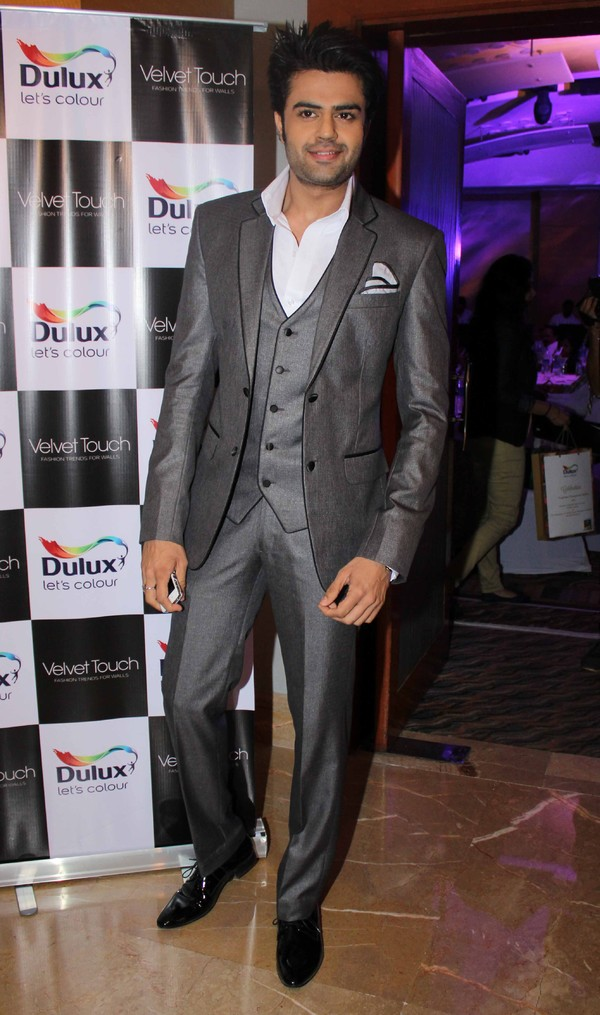Farhan, Manish Malhotra, Manish Paul Launch Dulux Velvet Touch Collection