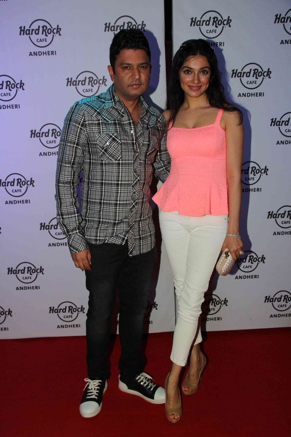'Hard Rock Cafe' Launch Party - Ronit Roy, Subhash Ghai, Gul Panag, Rishi Kapoor