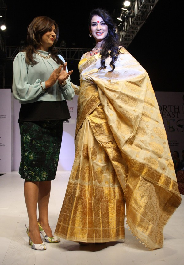 Sonal Chauhan walks the ramp for North East Design Fest 2013 #NorthEastDesignFest2013 #SonalChauhan